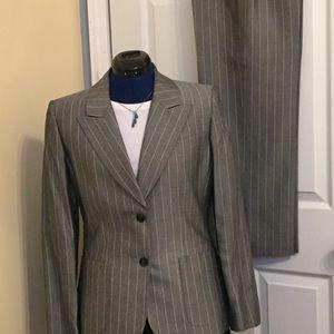 Tahari NWT Petite Suit